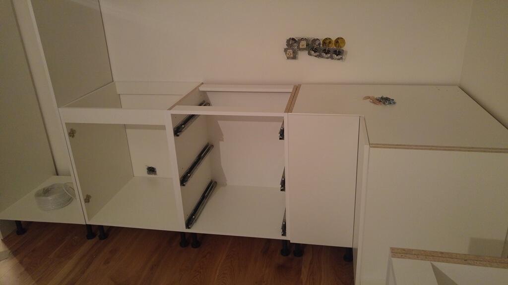 virtuves baldu surinkimas